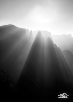 Mnweni Pinnacles by carlosthe