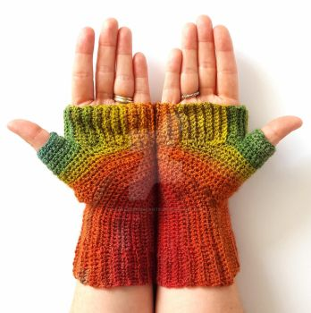Concentric Handspun Gradient Fingerless Gloves by FearlessFibreArts
