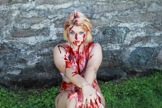 Glamour Gore III by SarahTriceratops
