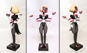 SU: SARDONYX SCULPTURE by Arnne