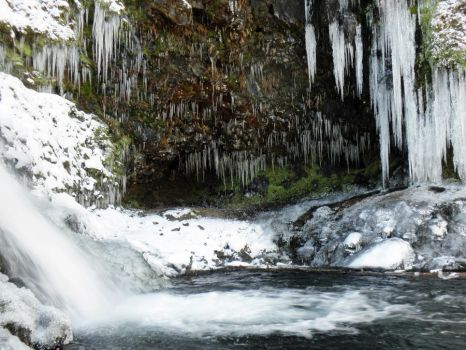 Grotto Falls in Winter by BookWeaver