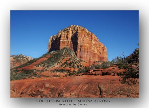 Courthouse Butte by livinginoblivion