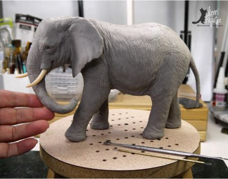 Miniature 1:12 Elephant sculpture by Pajutee
