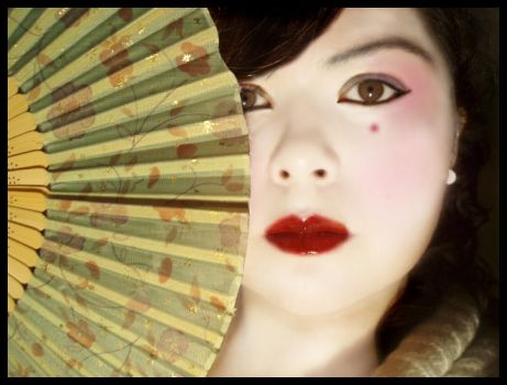 Geisha Girl by frapuccino