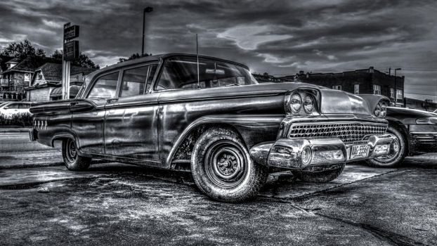 Ford Fifties Black and White HDR by rimete