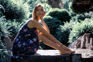 Sitting girl by photo4arteu