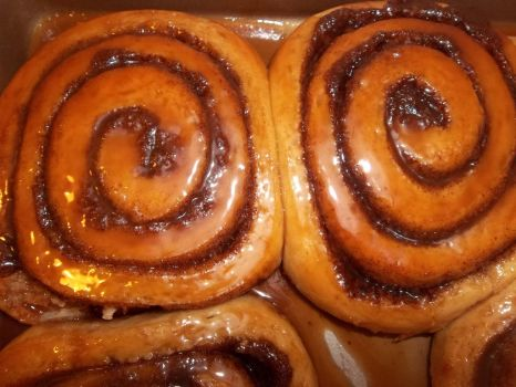 cinnamon rolls baked and caramel glazed by euromuttgypsy