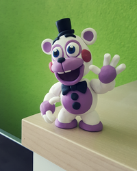Your personal flunky: Helpy by Thyladactyl