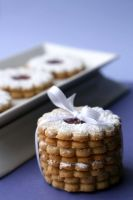Linzer Cookies 2 by bittykate