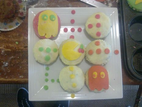 Pacman Cupcakes by PurplegreenXD