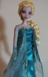 Singing Elsa OOAK dolld by lulemee