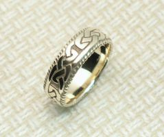 Final polish Celtic knot ring by Cloud-Dragonz