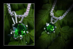 Chrome Diopside Solitaire Pendant by Sarahorsomeone