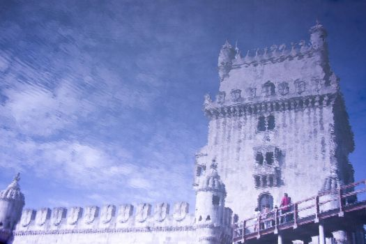 Torre de Belem reflection by Simounet