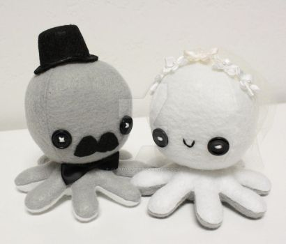 Wedding octo-plushies by jaynedanger