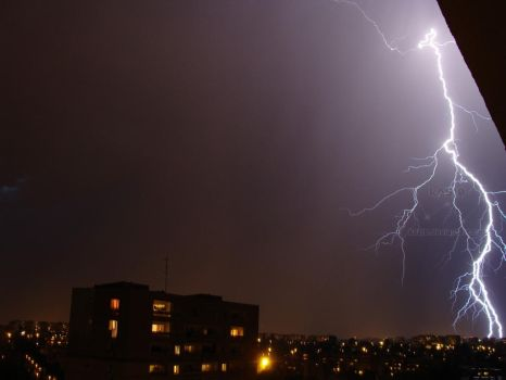 2011.05.20 Lightning IV by kasj0