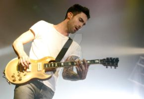 Maroon 5 by Crushn421