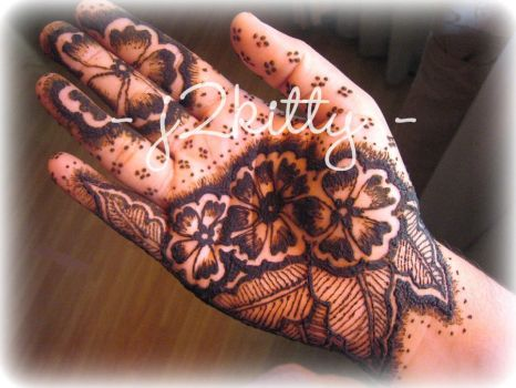 Henna, bunch of flowers... by j2kitty
