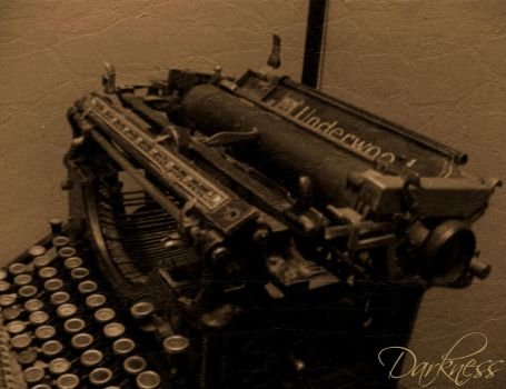 Underwood Typewriter 1924 by darknesscl