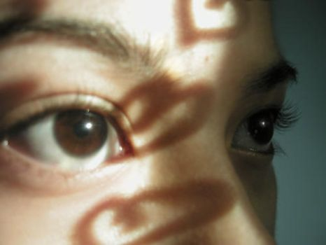 Eyes with Reflection of Hearts by kallistos