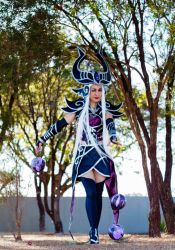 Syndra - Fun in the woods by belafantasy