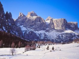 The Sella from the ski slopes of Colfosco by spinngewebe