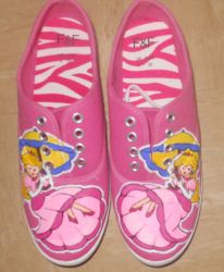 Princess Peach Shoes by Frogger277