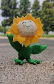 Sunny Sunflora Plushie! by gamerwhit