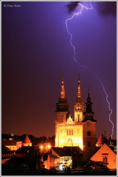 Zagreb's cathedral by nrasic