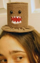 Tiny Top hat: Domo-Kun by TinyTopHats