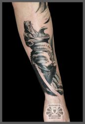 another part of sleeve by Karviniya