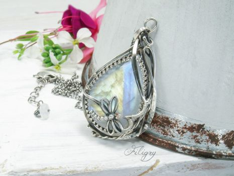 Libby-Moonstone Pendant by FILIGRY