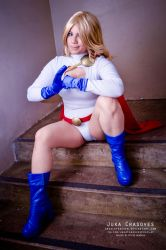 Power Girl is back! by absolutequeen