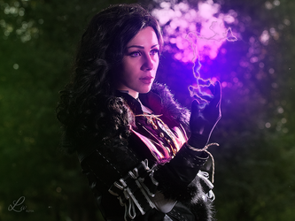 Yennefer of Vengerberg by ImNotMizu