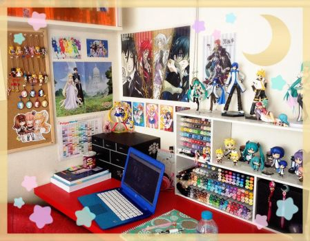 Colourful Artdesk [15/04/15] by Chikukko