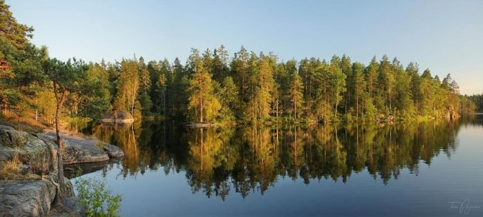 August Lake by Pajunen