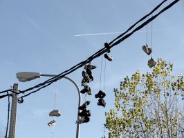 Shoefiti en la alturas 2 by Danaeryn