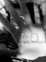 No paparazzis by head-phone