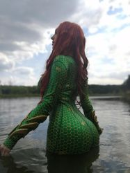 Mera (backstage) by SmirkoO