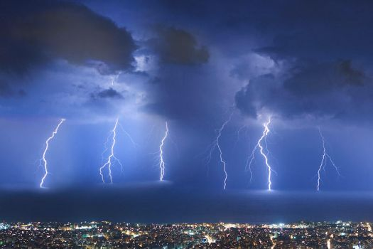 Thunderstorm over Beirut by akhater