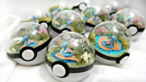 Poke Ball Tarrariums * by TheVintageRealm