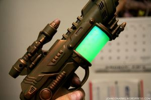 Atompunk Blaster lit up by JohnsonArmsProps