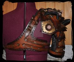 steampunk leather pauldron and harness back view by Lagueuse