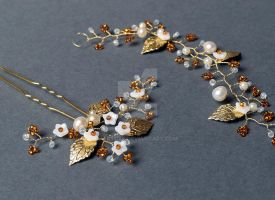 Freshwater pearl bridal hair pin and vine set by artual