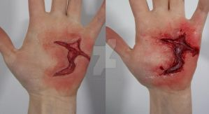 Hand Gash by CallahsMakeup