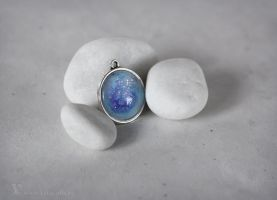 White space pendant by Keila-the-fawncat