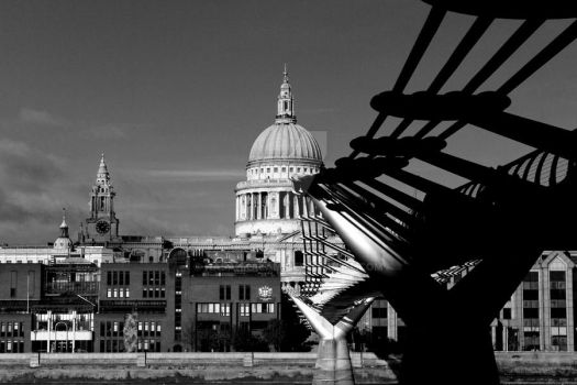 St Paul's Cathedral- London by nasahkalam
