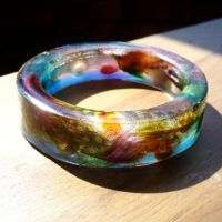 Feathered resin bangle by hogret