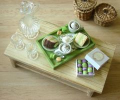 Pale Green Display by PetitPlat