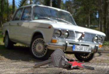 The Magic Key - Lada 2103 by odinweb